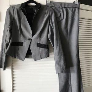 Women's business wide leg pant suit